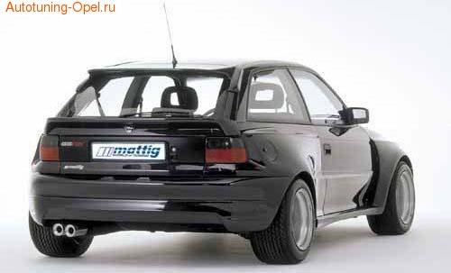 Расширители арок задних Opel Astra F в стиле Extrem