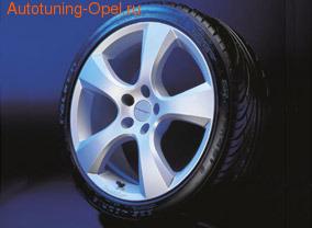 Шины летние Vredestein Sessanta 245 / 40 R20 с литыми дисками Irmsher в стиле Evo-Star Design 8 x 20 ET 40 для Opel Antara