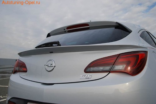 Спойлер на багажник Opel Astra J GTC