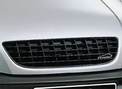 Решетка радиатора Opel Zafira A в черном исполнении