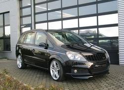 Обвес на Opel Zafira B от компании Steinmetz