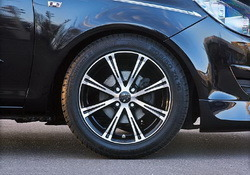 Шины летние BF Goodrich 215 / 40 R17 с литыми дисками Steinmetz в стиле ST6 7,5J x 17 для Opel Corsa D, Opel Meriva A, Opel Tigra