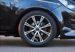 Шины летние Semperit 225 / 45 R17 с литыми дисками Steinmetz в стиле ST6 7,5J x 17 для Opel Astra H