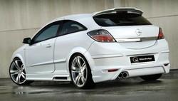Накладка на бампер задний Opel Astra H GTC в стиле Maxis