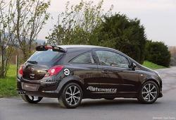 Обвес на Opel Corsa D 3-х дверная (дорестайлинг) от компании Steinmetz с комплектом дисков R17 в стиле ST6