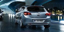 Обвес на Opel Astra J Хэтчбек (дорестайлинг) от компании Opel в стиле OPC Line I с вырезом в бампере под глушитель