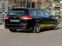 Обвес на Opel Vectra C Универсал от компании Irmscher с глушителем с раздвоенным выхлопом на две стороны