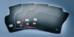 Коврики в салон Opel Astra H велюровые темно-серого цвета с красной отстрочкой