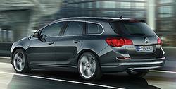 Обвес на Opel Astra J Sports Tourer (дорестайлинг) от компании Opel в стиле OPC Line I с вырезом в бампере под глушитель