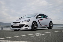 Обвес на Opel Astra J GTC от компании Steinmetz