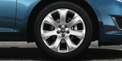 Диски литые R16 легкосплавные серебристые дизайн 7 лучей для Opel Astra J c бензиновыми двигателями 1,6T л, дизельными двигателями 1,7 л и 2,0 л