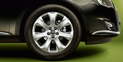 Диски литые R17 легкосплавные с покрытием Manoogian дизайн 7 лучей для Opel Astra J, Opel Zafira Tourer c бензиновыми двигателями 1,6T л, дизельными двигателями 1,7 л и 2,0 л