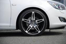 Диски литые R19 легкосплавные двухцветные дизайн ST10 для Opel Astra J, Opel Mokka c бензиновыми двигателями 1,4 л, 1,4T л и 1,6 л, дизельными двигателями 1,3 л