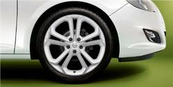 Диски литые R19 легкосплавные с покрытием Bi-colour дизайн 5 Y-образных лучей для Opel Astra J c бензиновыми двигателями 1,6T л, дизельными двигателями 1,7 л и 2,0 л