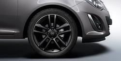Диски литые R17 легкосплавные с покрытием Black дизайн 5 двойных лучей для Opel Corsa D 5х110