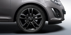 Диски литые R17 легкосплавные с покрытием Black дизайн 5 двойных лучей для Opel Corsa D 4х100